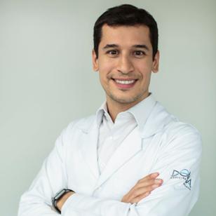 Dr. Lucas Brandolt Farias